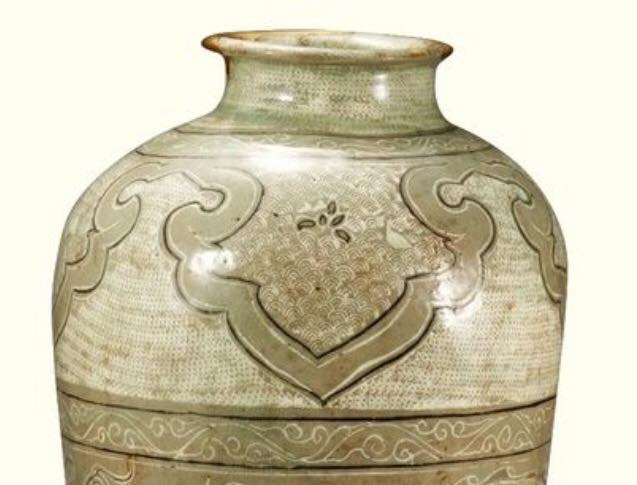 Famous 15th century jar top